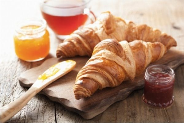 Brioche cornetti senza burro: ingredienti e preparazione per preparare la variante senza burro dei classici cornetti per la prima colazione.