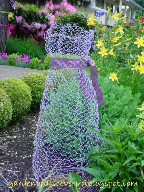 Chicken Wire Ghost Dresses | New Terrace/Patio | Chicken wire