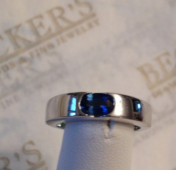 Beautiful Vintage 14k white gold Oval Inset by BeckersJewelersCT