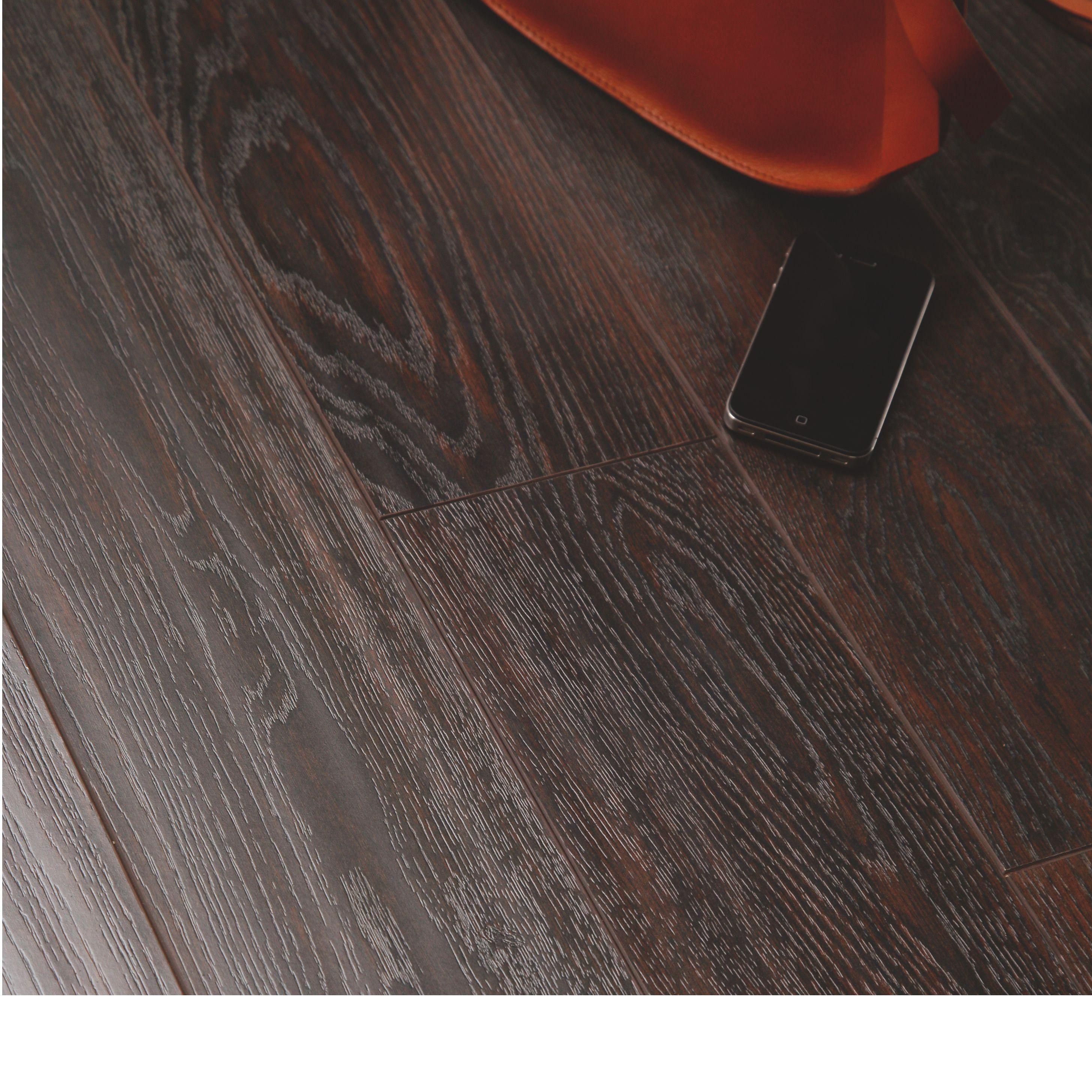 Dolce Richmond Dark Oak Effect Laminate Flooring 1 37 M Pack Departments Diy At B Q Solid Wood Flooring Flooring Laminate Flooring