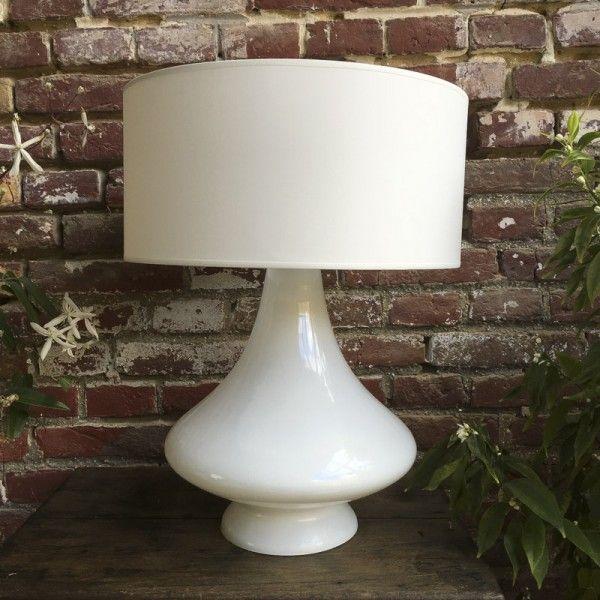 grande lampe vintage lampes blanches abat jour en tissu et tissus blancs. Black Bedroom Furniture Sets. Home Design Ideas