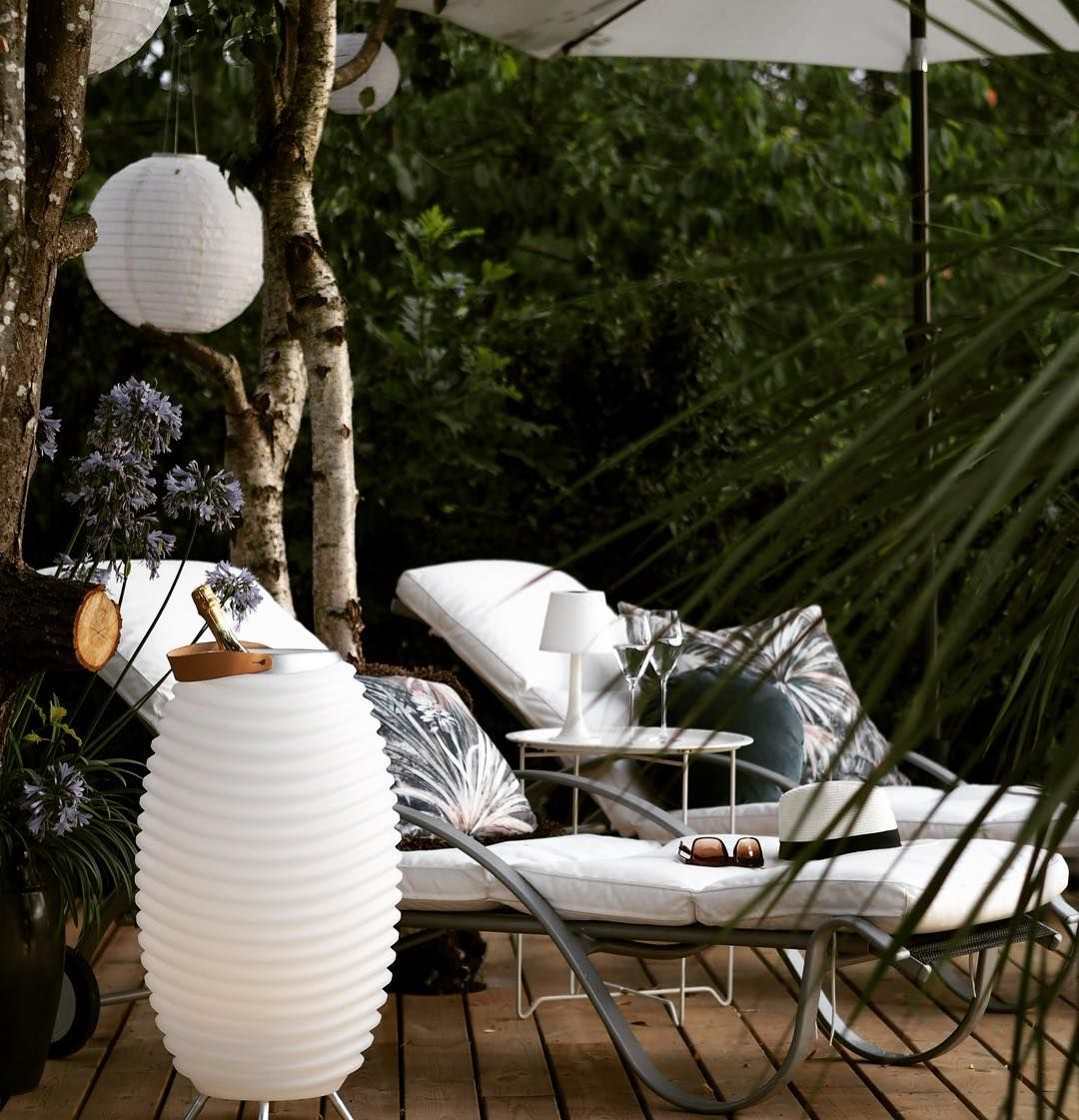 Just A Nice Summer Picture To Beat Your Blue Monday Lamp Bluemonday Wine Bluetoothspeakers Kooduu Synergy Li In 2020 Patio Umbrella Patio Summer Pictures