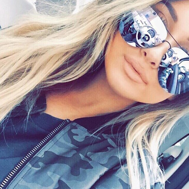@sarahhashcroft wearing MUSE Sunglasses by Quay Australia  Shop Quay Australia…
