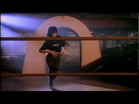 Janet Jackson čierna mačička