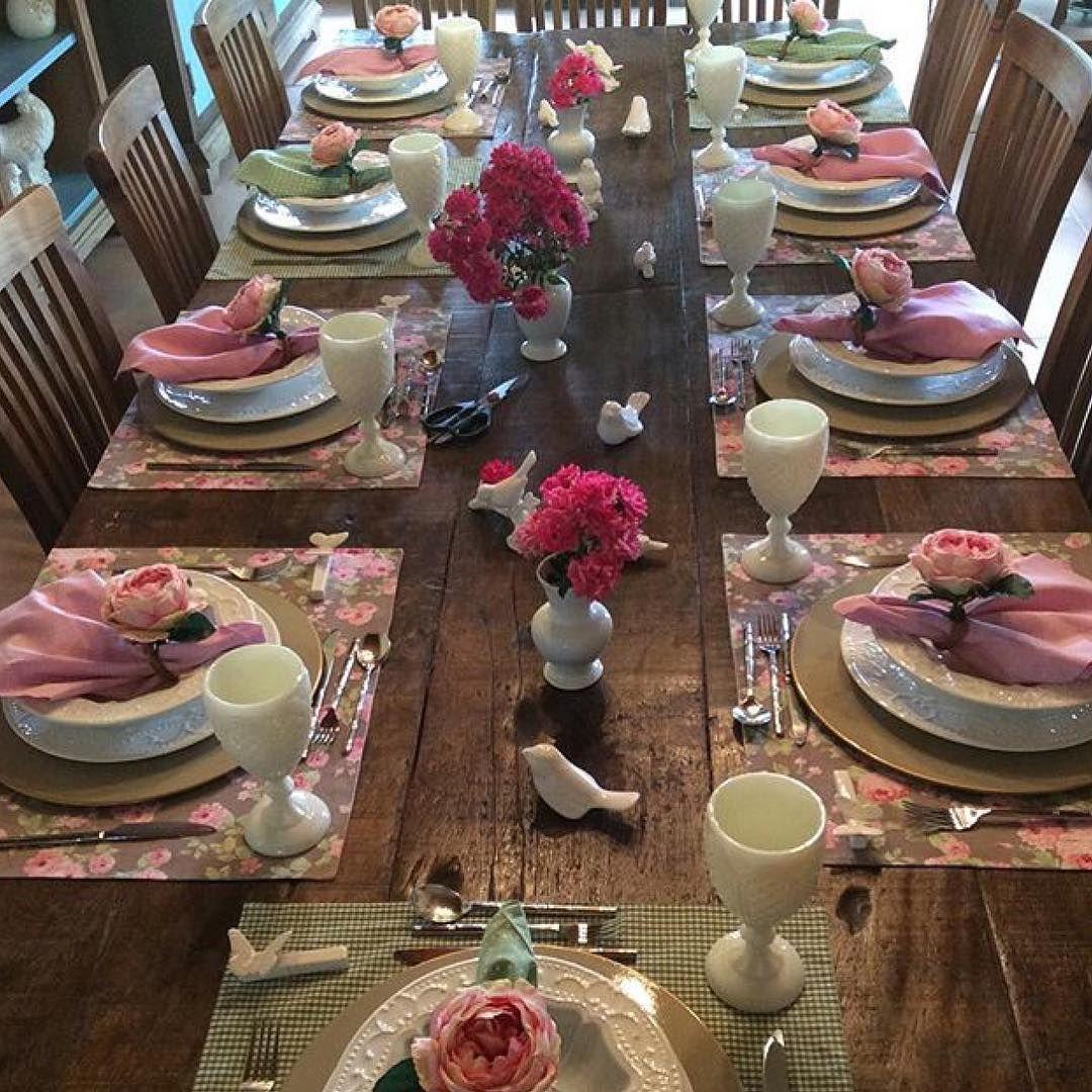 """""""Momentos preciosos com pessoas queridas em uma mesa linda! Parabéns, Laura e @maraprandina! """""""