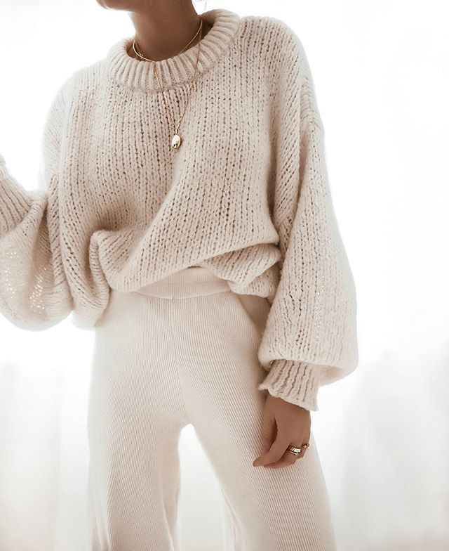 """Photo of sarah lisa kunz på Instagram: """"Börja din helg med 💭 Det finns ett nytt blogginlägg som har hittat det perfekta alternativet för dessa byxor och några andra artiklar …"""""""