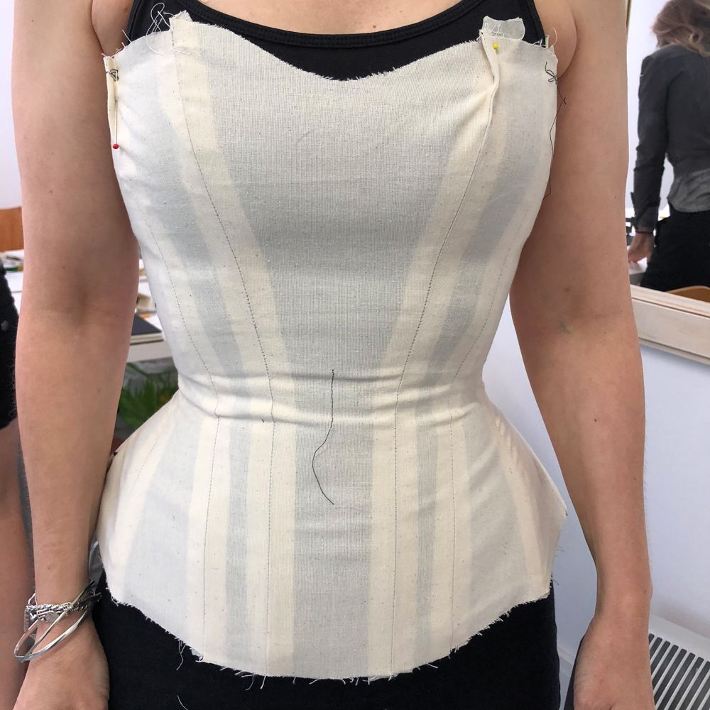 Photo of How to Make a Corset – Free tutorials and video classes