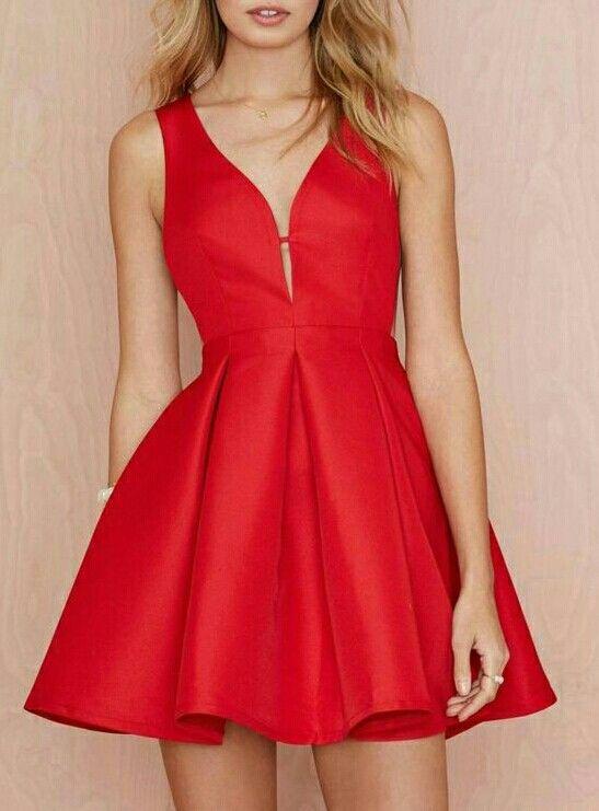 Magnifique petite robe rouge vermillon   post   Pinterest   Clothing ... a12e1f873508