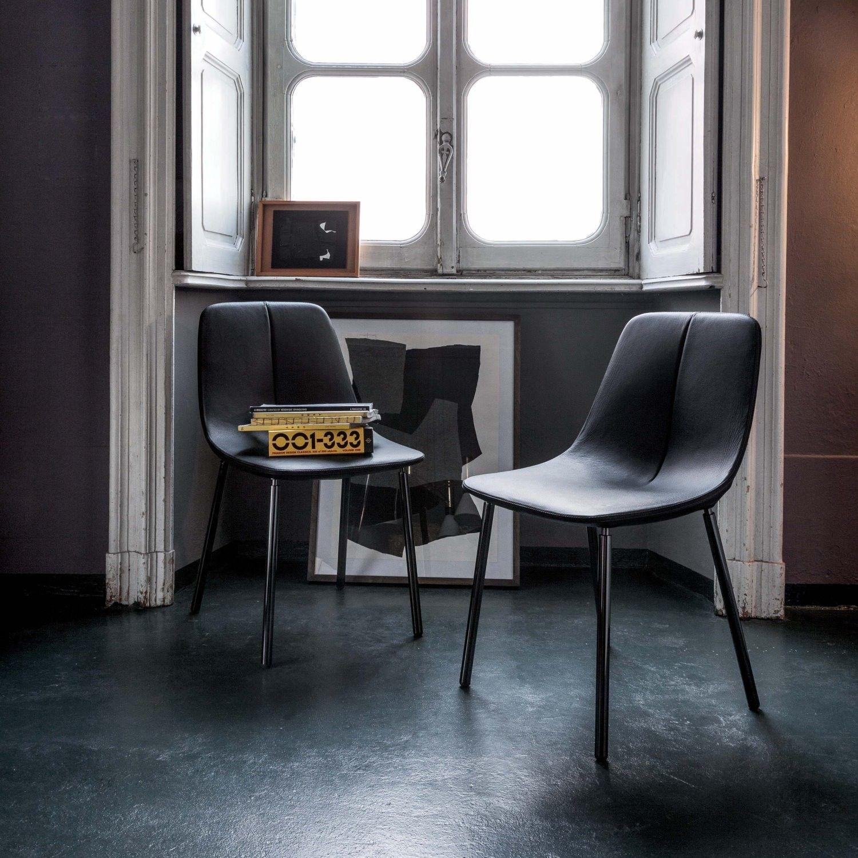 by freischwinger stuhl mit verchromten kufenbeinen. Black Bedroom Furniture Sets. Home Design Ideas