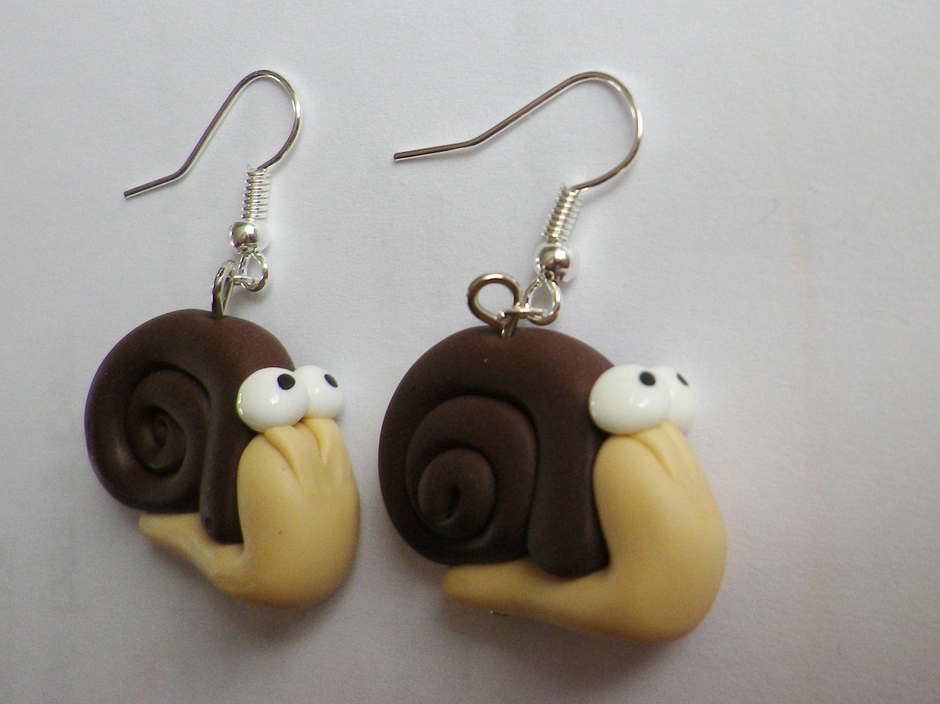 escargot rigolo en boucle d oreille coquille marron yeux mignon : Boucles d'oreille par fimo-relie