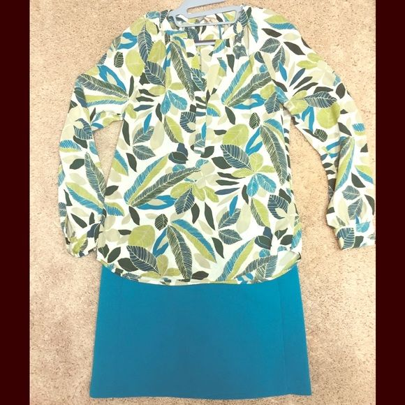 Beautiful springtime flowy Banana Republic blouse Beautiful blouse - just in time for spring! Banana Republic Tops Blouses