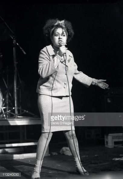 punk-singer-poly-styrene-performs-on-stage-with-xray-spex-london-1978-picture-id113240030 (407×594)