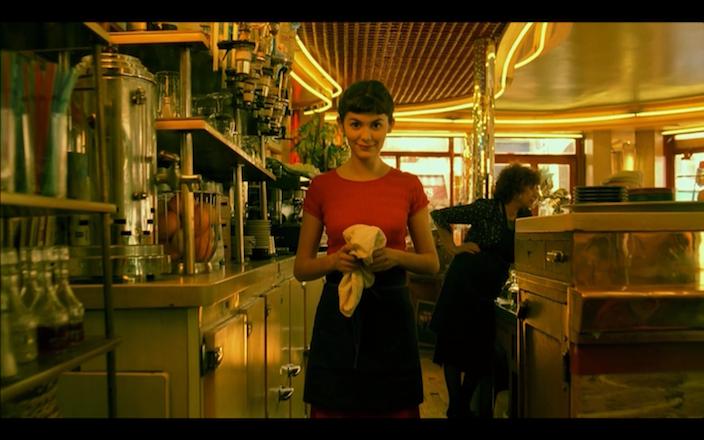 Amelie at cafe