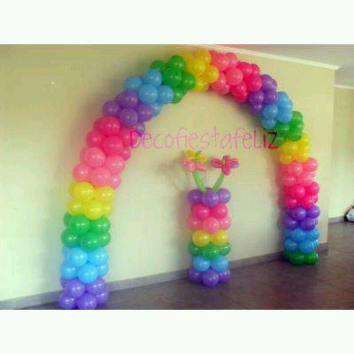 Ballon arch for rainbow trail