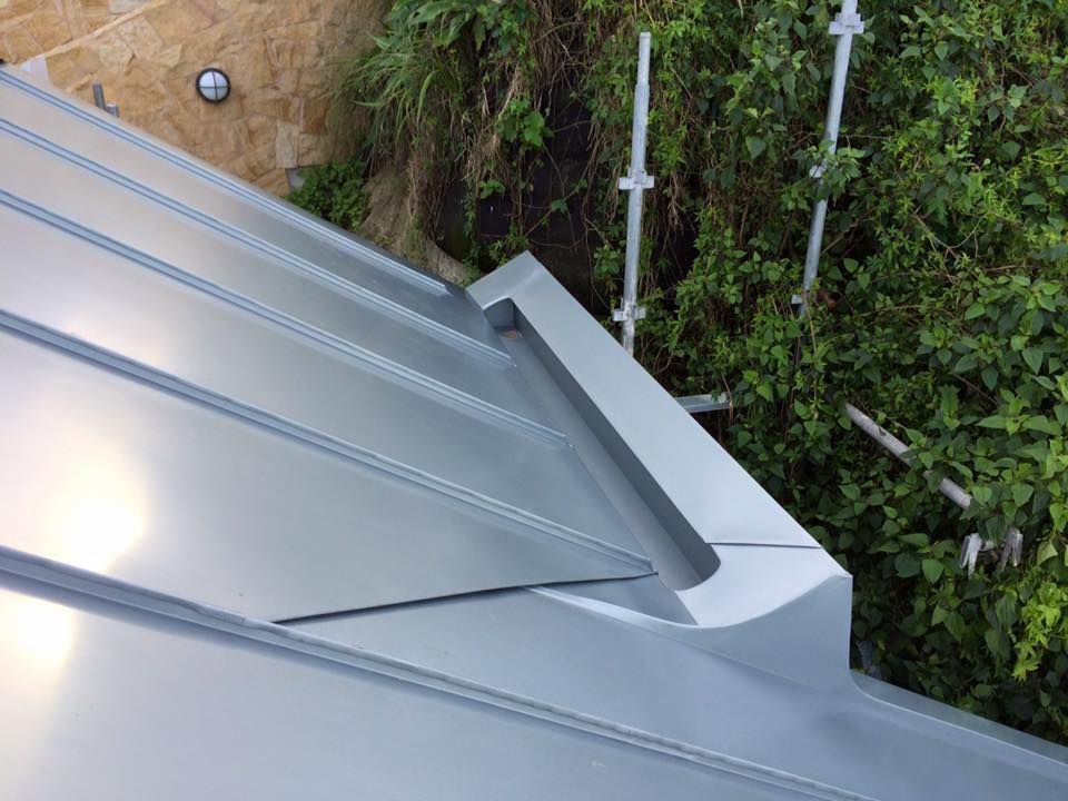 Pin By John Faustino On Idei Metal Roof Metal Roofing Prices Roof Design