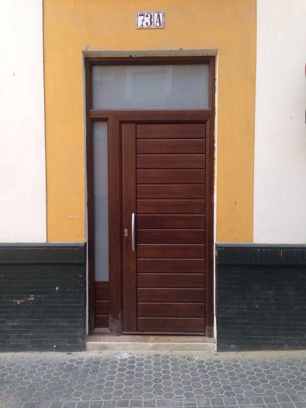 Puerta exterior de seguridad modelo REDÓN acabado nogal, con fijos ...