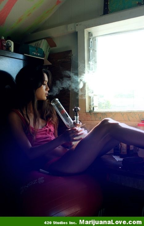 girls masterbating with weed pipes
