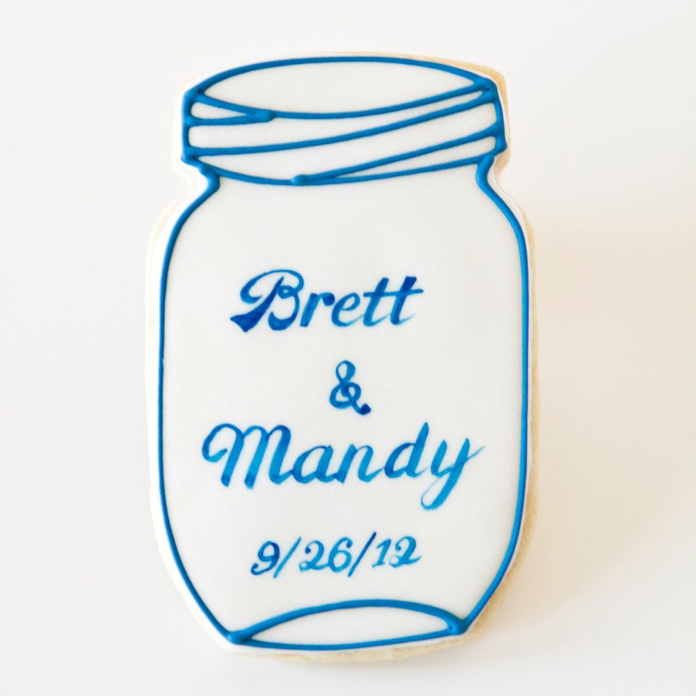 Mason Jar cookie wedding favors...there is really something I am ...