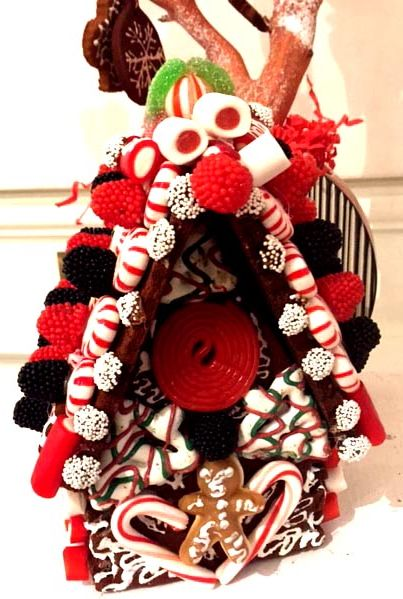 831b130aa56 secondary side of Gingerbread house design and execution Linda ...