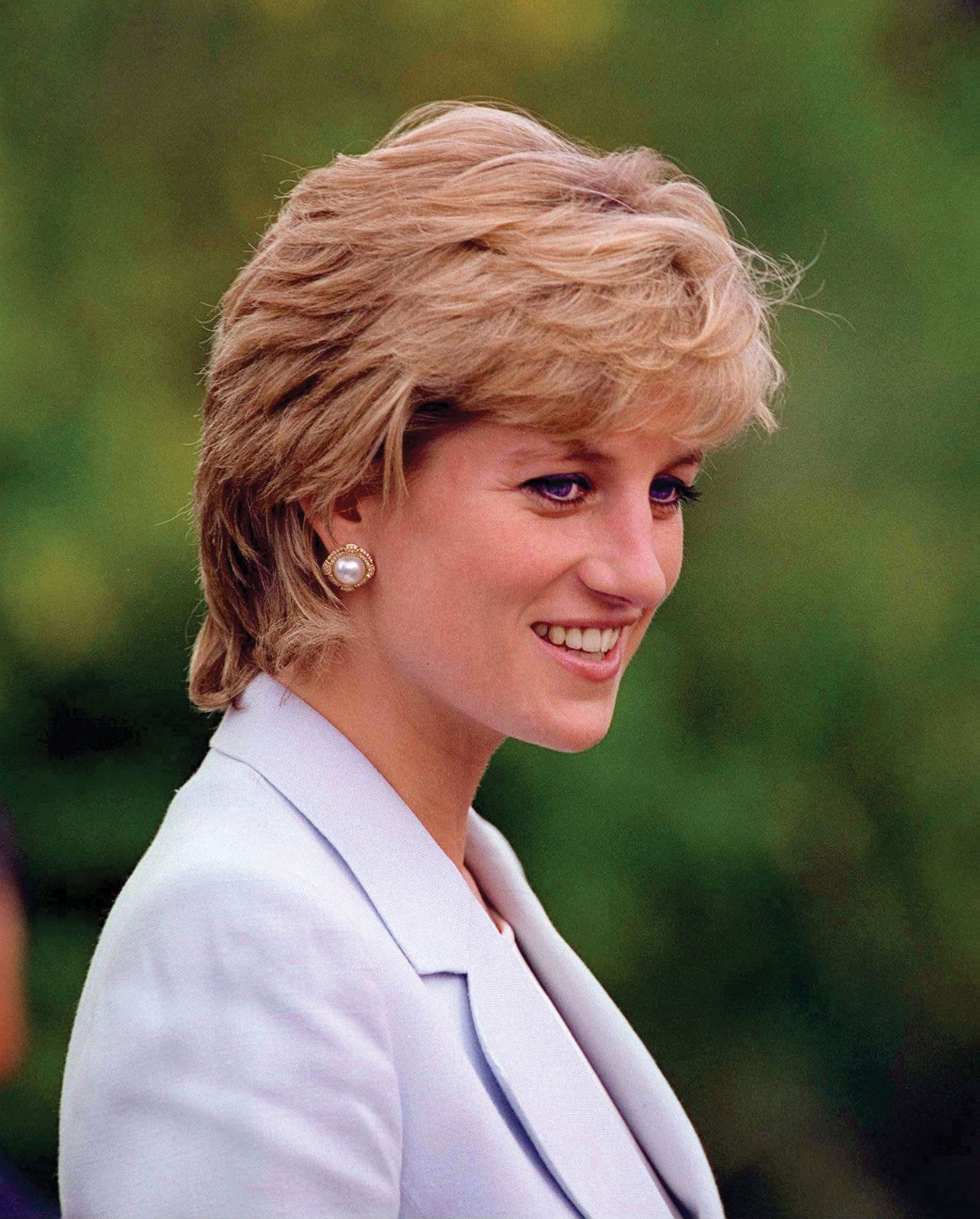 Diana became a member of the English Royal Family with her marriage to Charles, Prince of Whales in 1981. The late princess was adored by the public, and had more popular appeal than any other member of the Royal Family. We think she's a diva because she's a woman of substance: she married substance with style and was equally known for her fund-raising work for international charities, as well as her impeccable fashion sense, besides publicly raising awareness about bulimia.