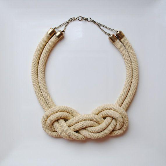 Collar corto de cuerda con nudo marinero por dosy12 en Etsy, €15.00