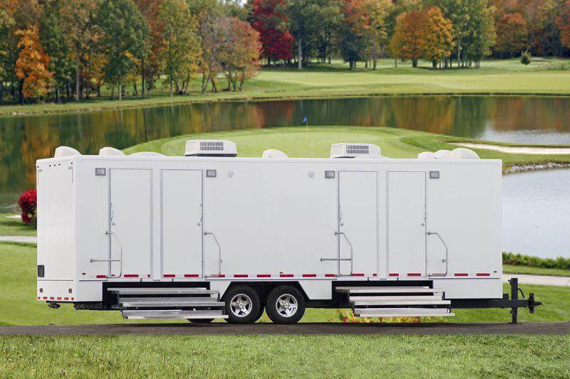 Luxury portable restroom trailer portable bathroom