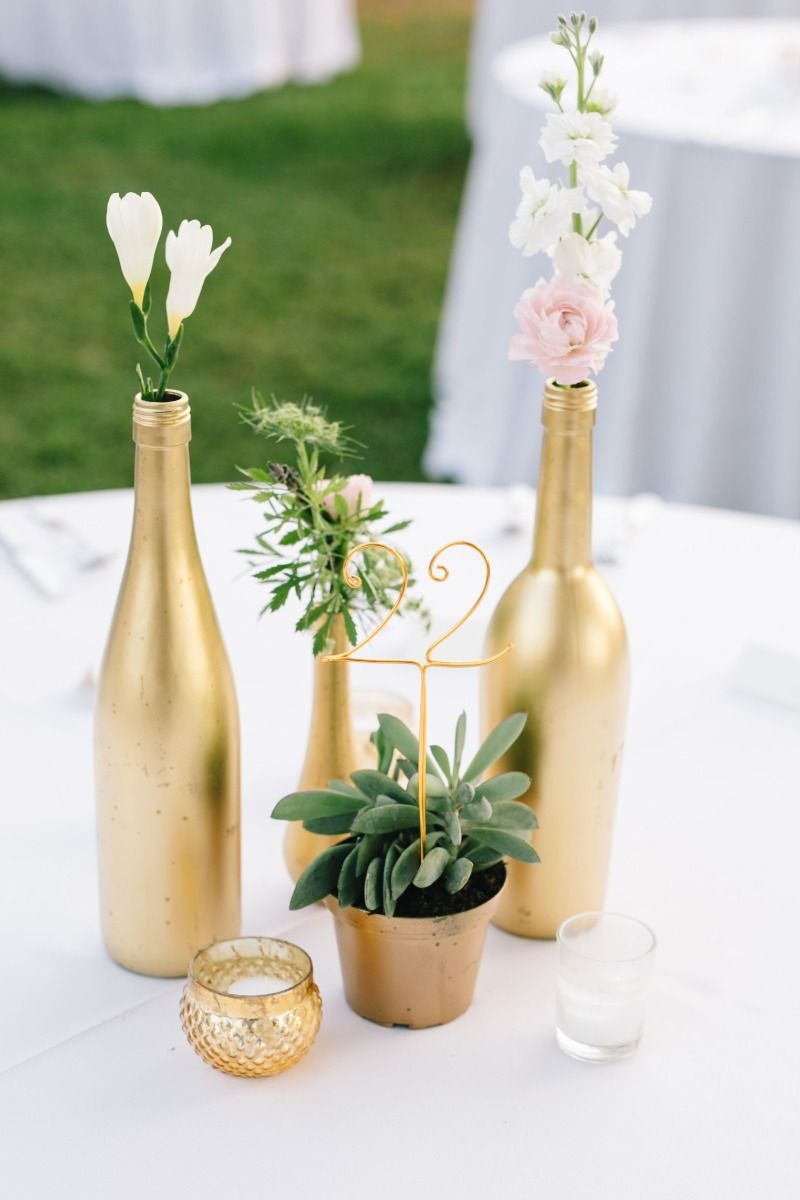 Blue ribbon wedding event design gold wire table
