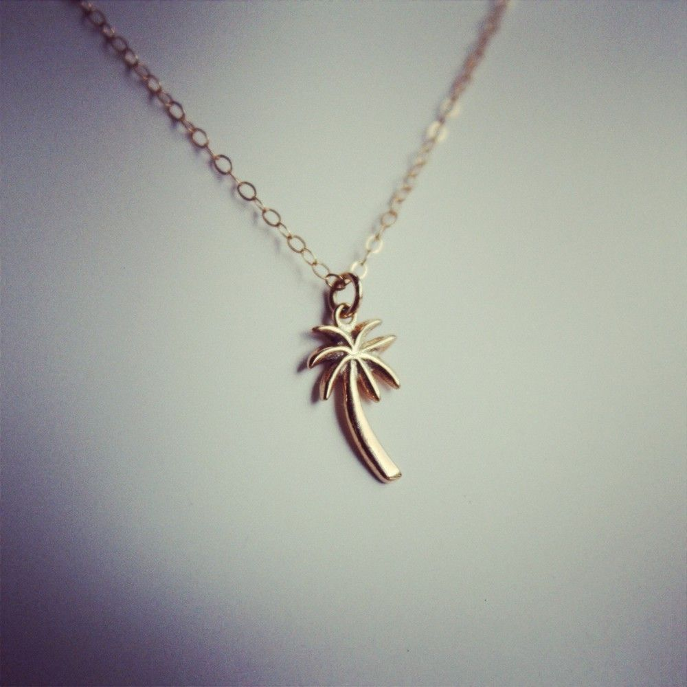 Le collier Palm Tree via latetedesophie. Click on the image to see more!