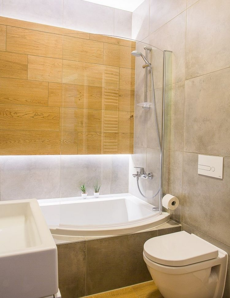 große Fliesen kleines-bad-betonoptik-holzoptik-badewanne-indirekte
