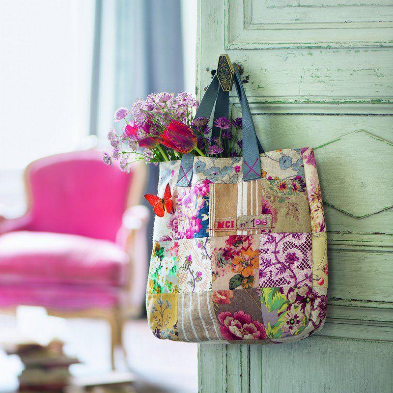 coudre un sac cabas en patchwork de tissus fleurs panier corbeille sac en patch et crazy. Black Bedroom Furniture Sets. Home Design Ideas