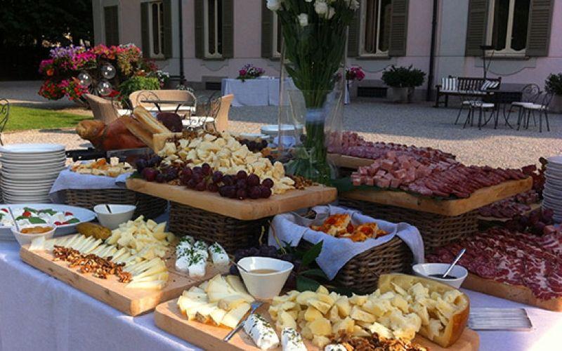 Risultati immagini per tavolo buffet | Ricette, Buffet, Tavolo