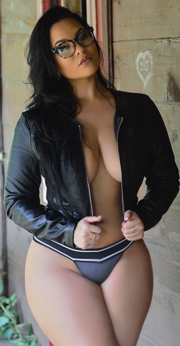I like curvy girls