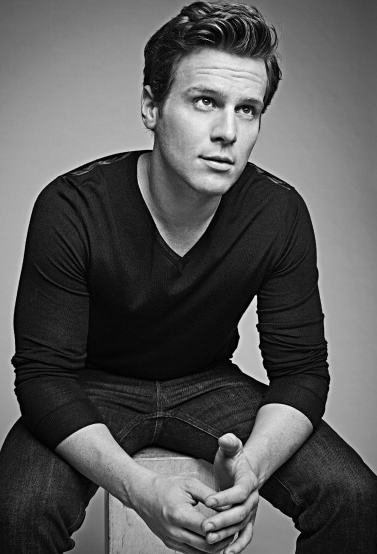 Jonathan Groff. I was talking about him today....and then I saw this picture.  <3