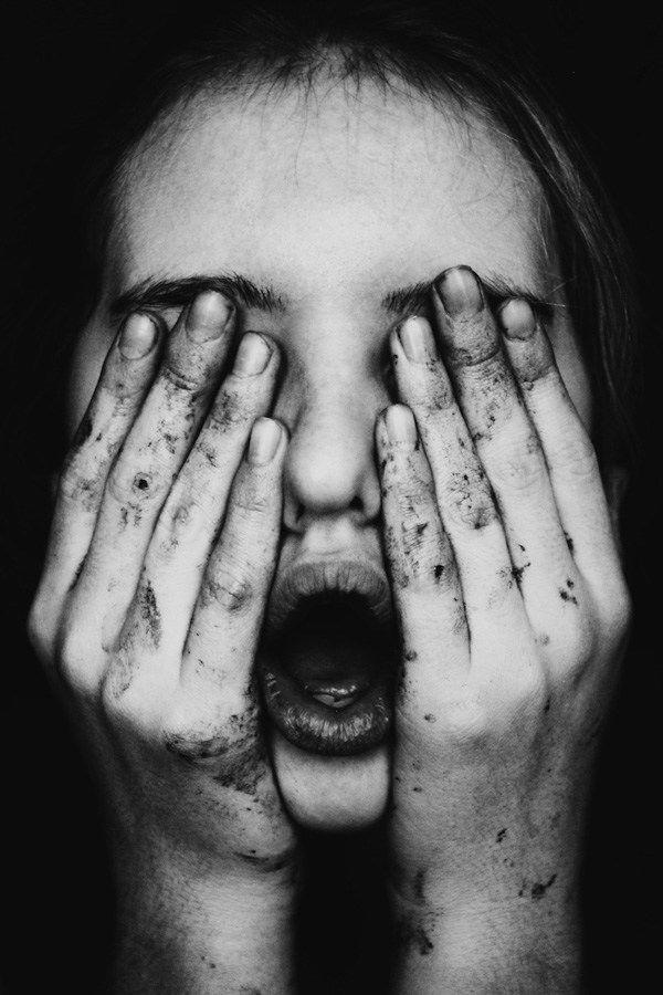 Lunivers mélancolique de la photographe jenny woods photography portraits and photography women
