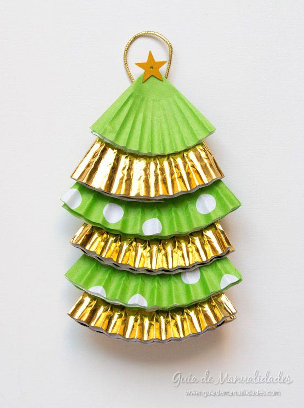 Adornos navide os con moldes de papel para cupcakes for Navidad adornos manualidades navidenas