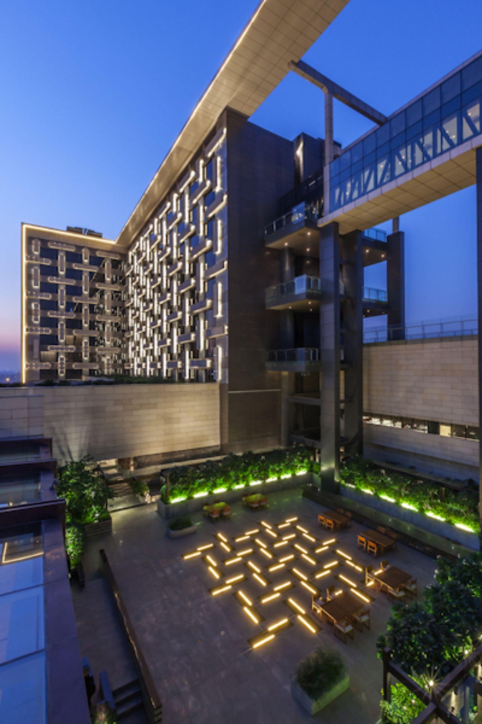 kempinski hotel shahdara illuminate lighting design