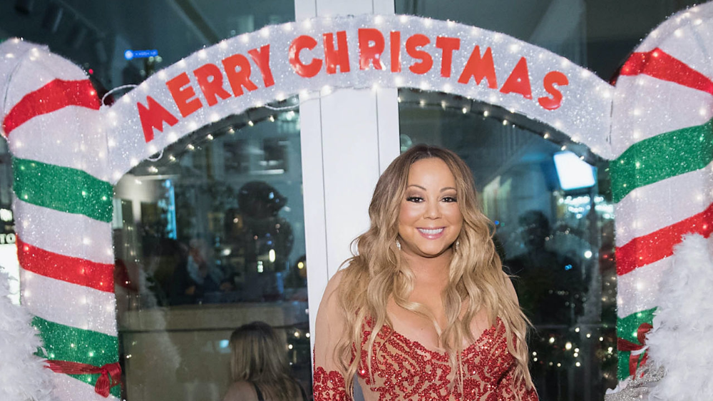 Music Chart Highlights Mariah Carey Gets Her 19th No 1 On The Billboard Hot 100 With Her Song All I Want For Christma Classic Songs Music Charts Mariah Carey