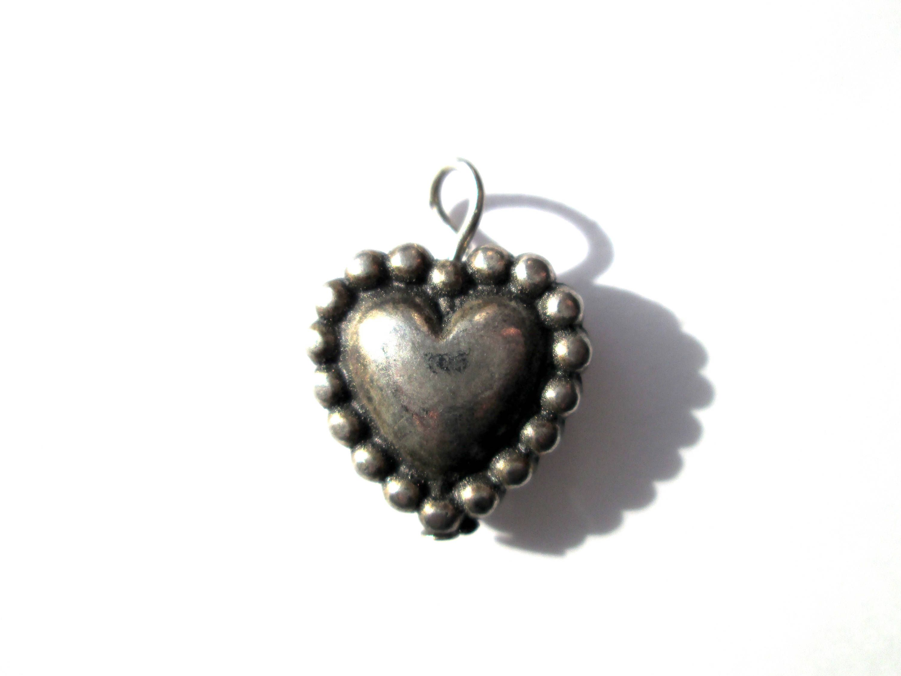 Silver Tone  Pewter   Crown    3d Charms X5