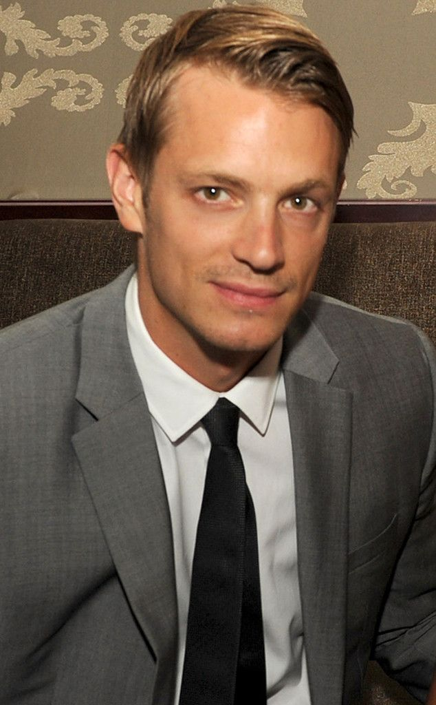 Joel Kinnaman definitely something pretty to look at!