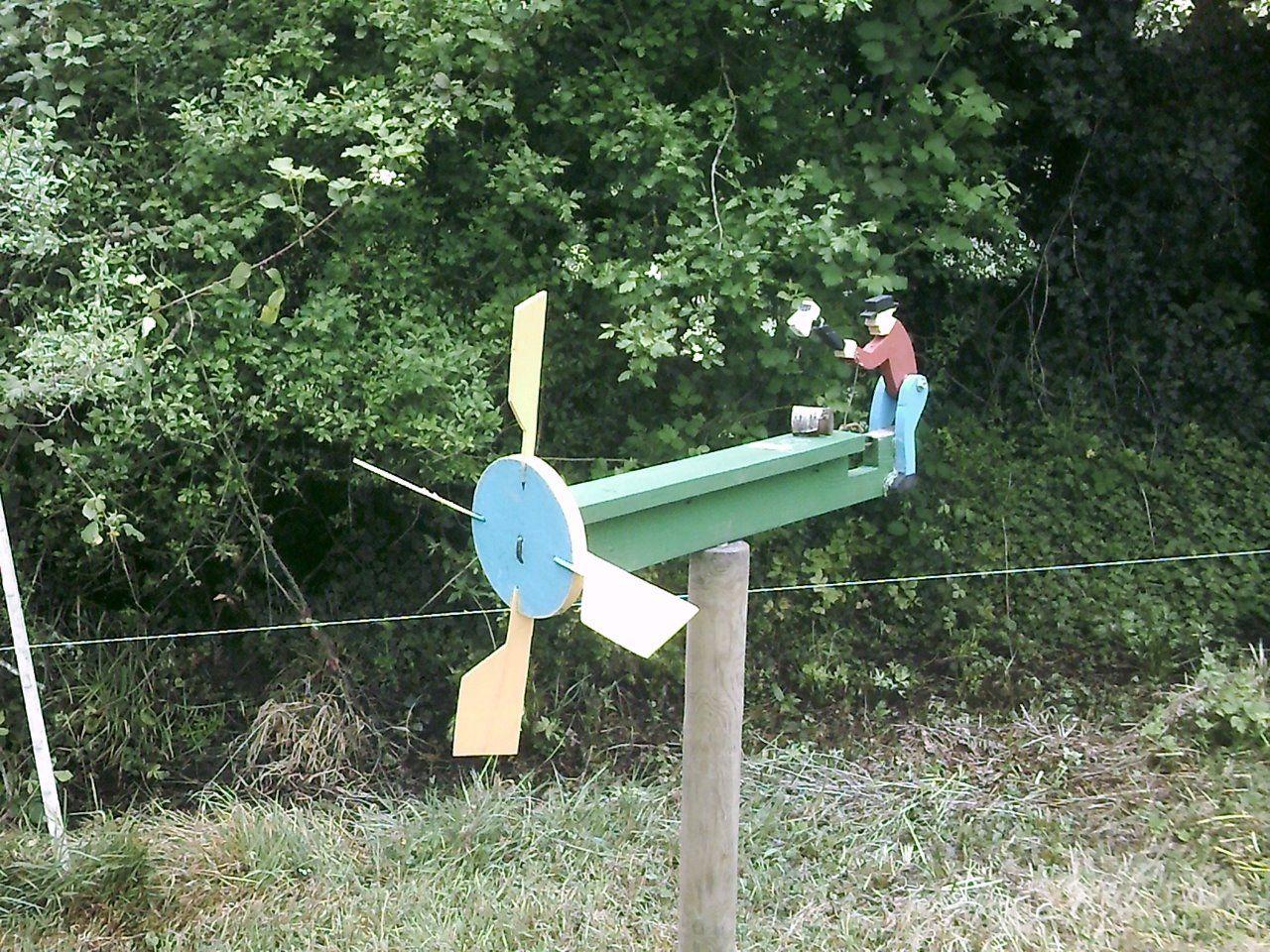 Webnode Fabrication De Meubles En Bois D Girouette Girouette De Jardin Idee Deco Jardin Zen