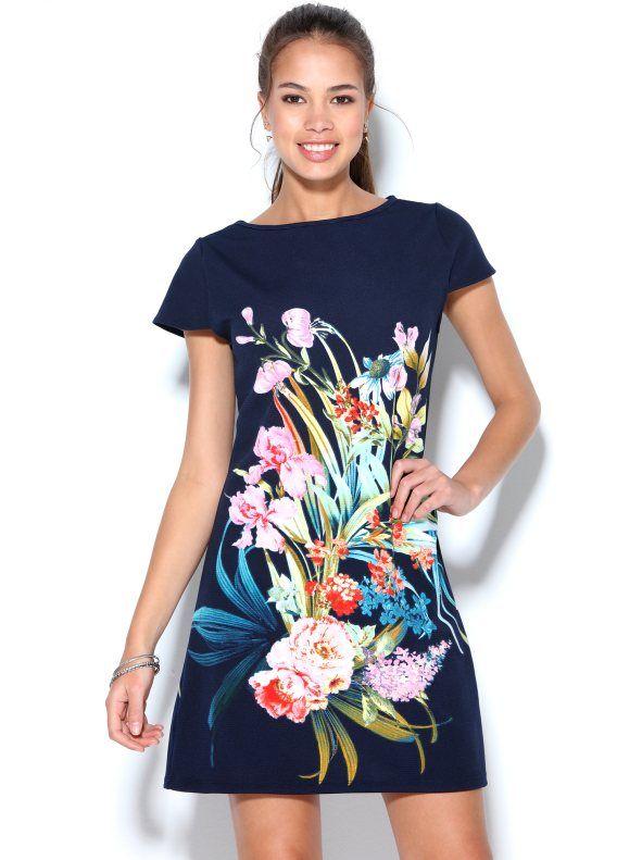 c6d67bb496 Vestido com estampado floral e com mini manga