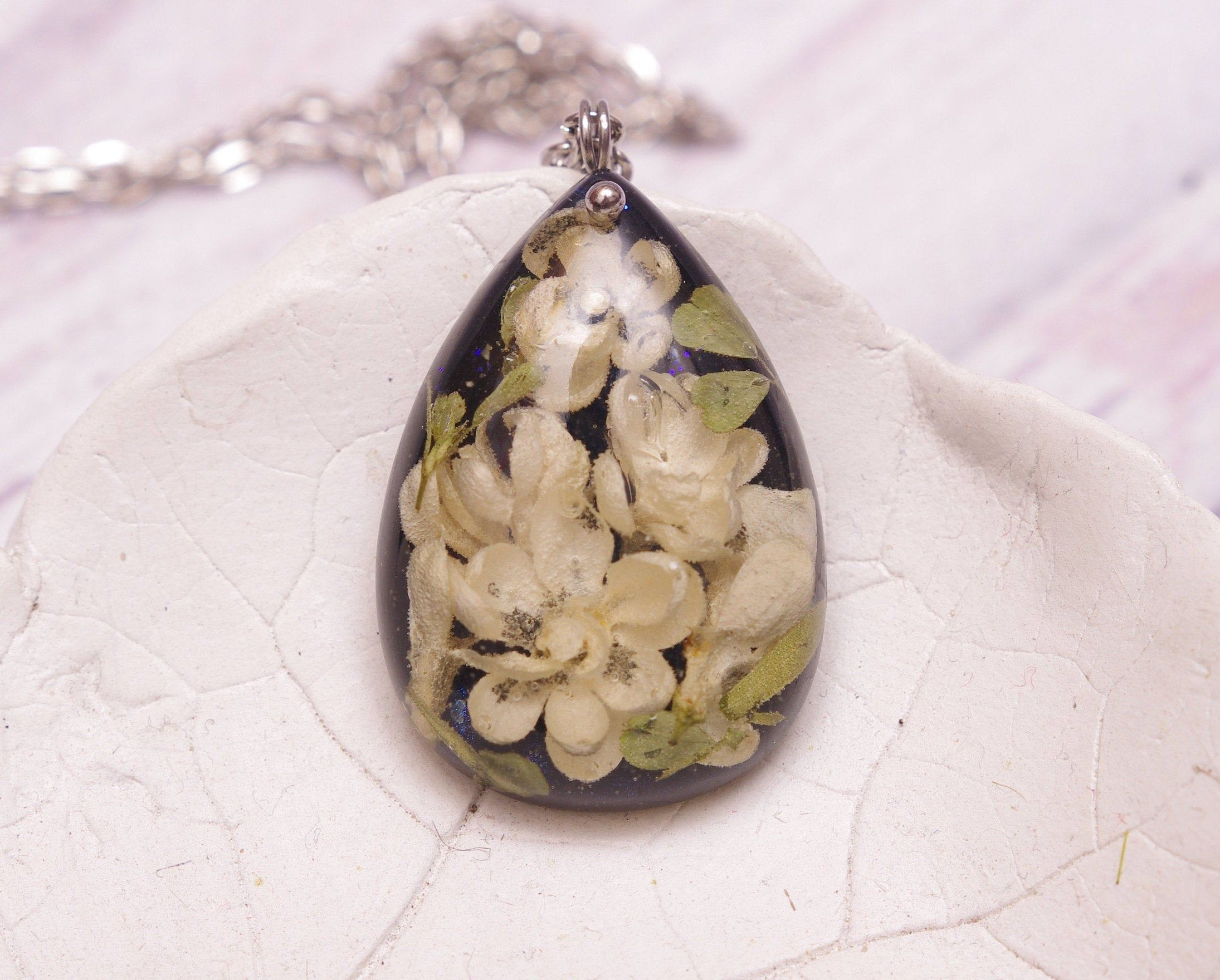 Nature necklace Vintage Necklace Nature Inspired Jewelry Real flower necklace Gift for her resin necklace Real flower jewelry