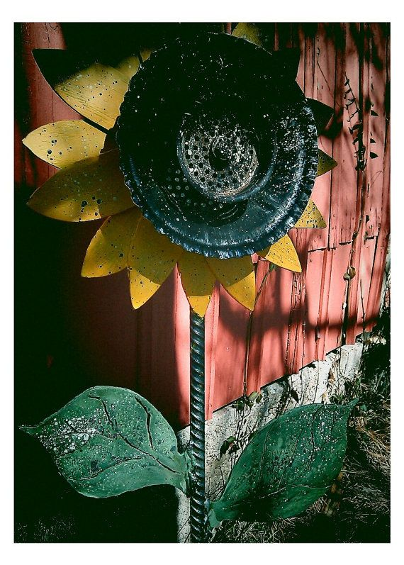 Metal Sunflower Yard Stake by OBERAWindustries on Etsy, 40.00