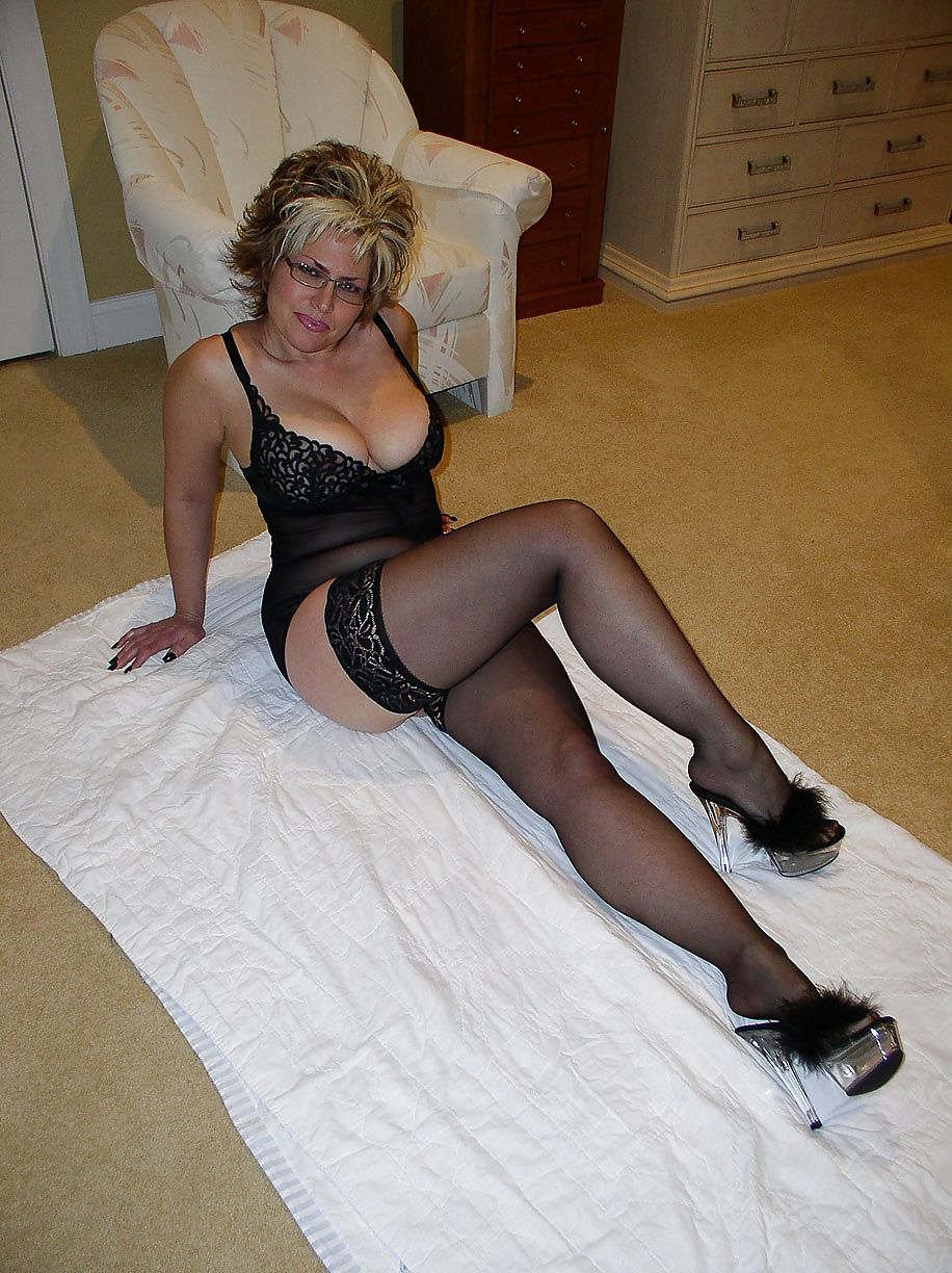 Guys matures and pantyhose elizabeth flashing
