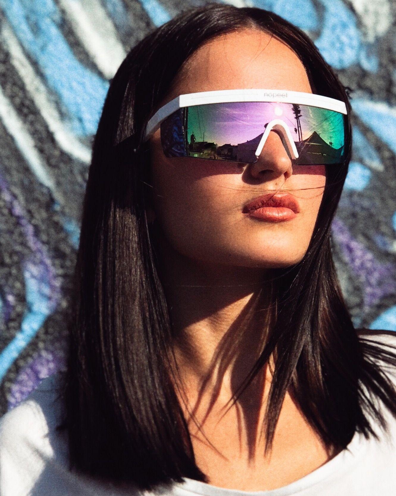 785934dd96  itsdariav for  nopeetstore  la  sunglasses  model  brunette  hair   haircolor  hairstyles  neon  lips  girl  life  blogger