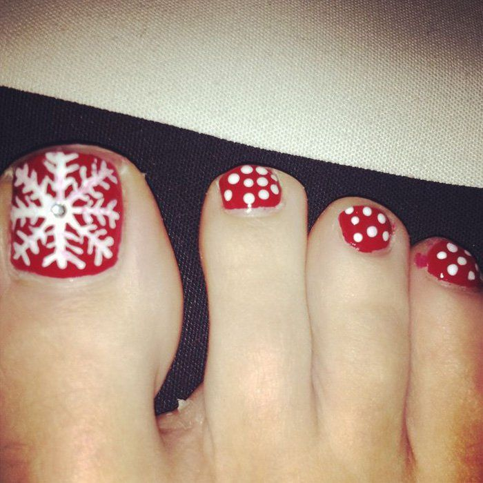 Toe Nail Art Holidays: 30 Best And Easy Christmas Toe Nail Designs