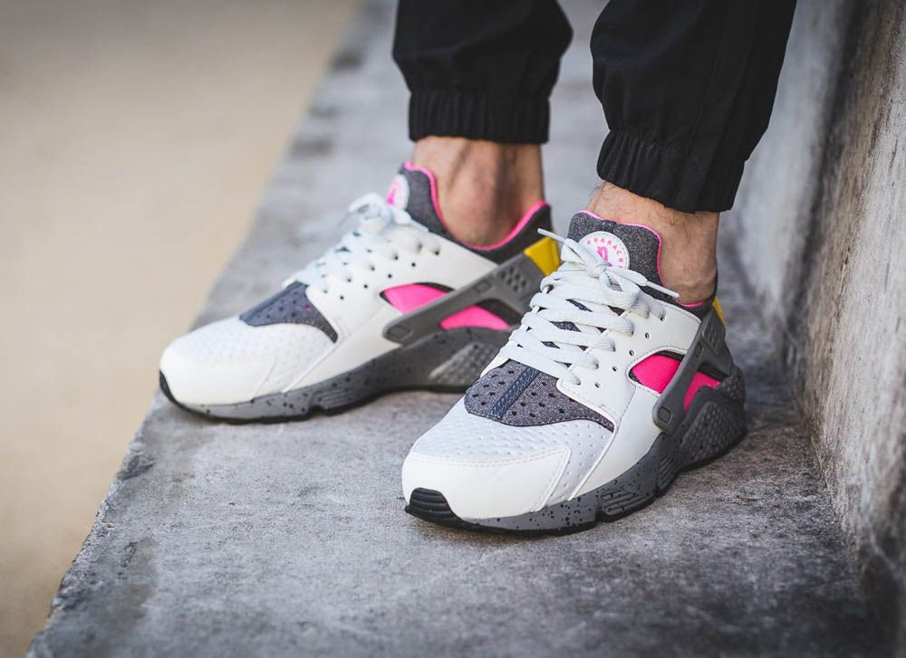 56b2353e29d6 Nike Air Huarache Run SEs crazy Pure Platinum Pink Blast  sneakernews   Sneakers  StreetStyle  Kicks