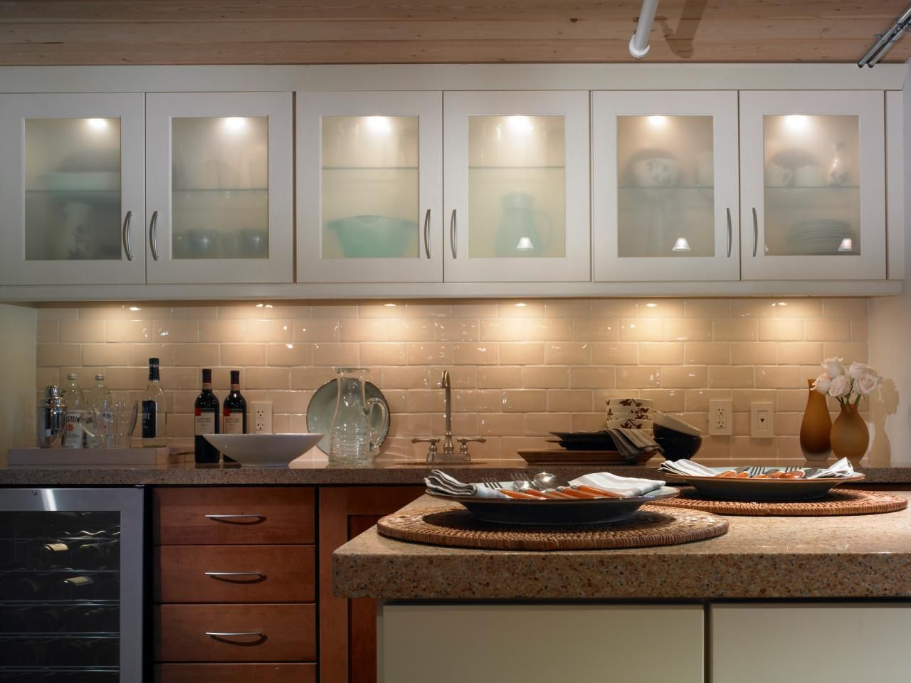 Lovely Kitchen Lighting Design Tips. Under Cabinet ...