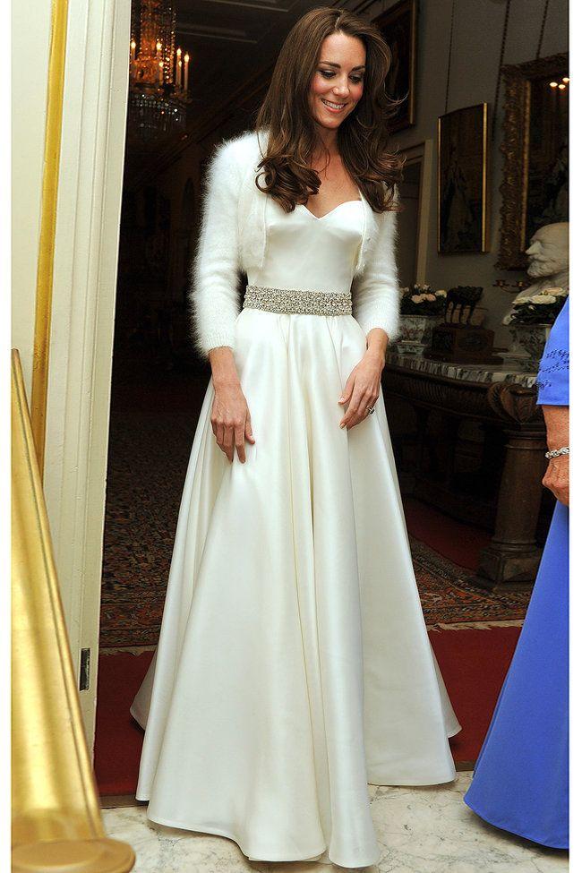 Herzogin Kates geheimes Brautkleid enthüllt | Kate middleton, Kurti ...