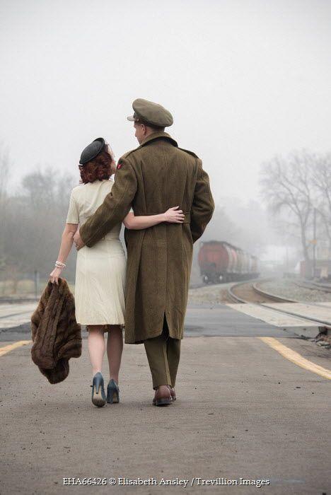 Elisabeth Ansley VINTAGE WARTIME COUPLE ON TRAIN PLATFORM Couples